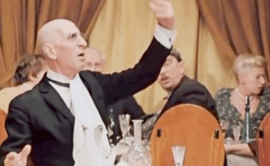 Почему Воробьянинов возмущался в ресторане и сколько на наши деньги стоили блюда